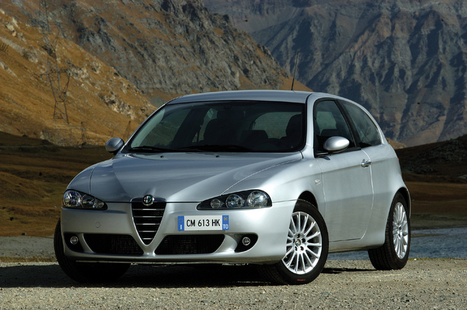 alfa romeo 147 2.0 distinctive #1