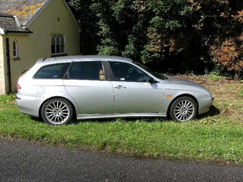 alfa romeo 156 sportwagon 2 5 v6 photos and comments. Black Bedroom Furniture Sets. Home Design Ideas