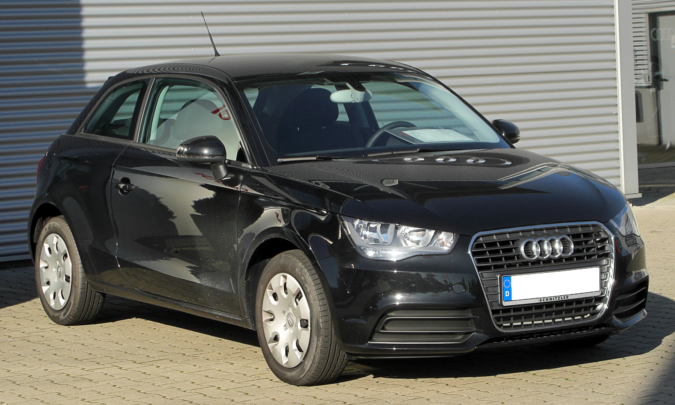 audi a1 1.2tfsi attraction-pic. 2