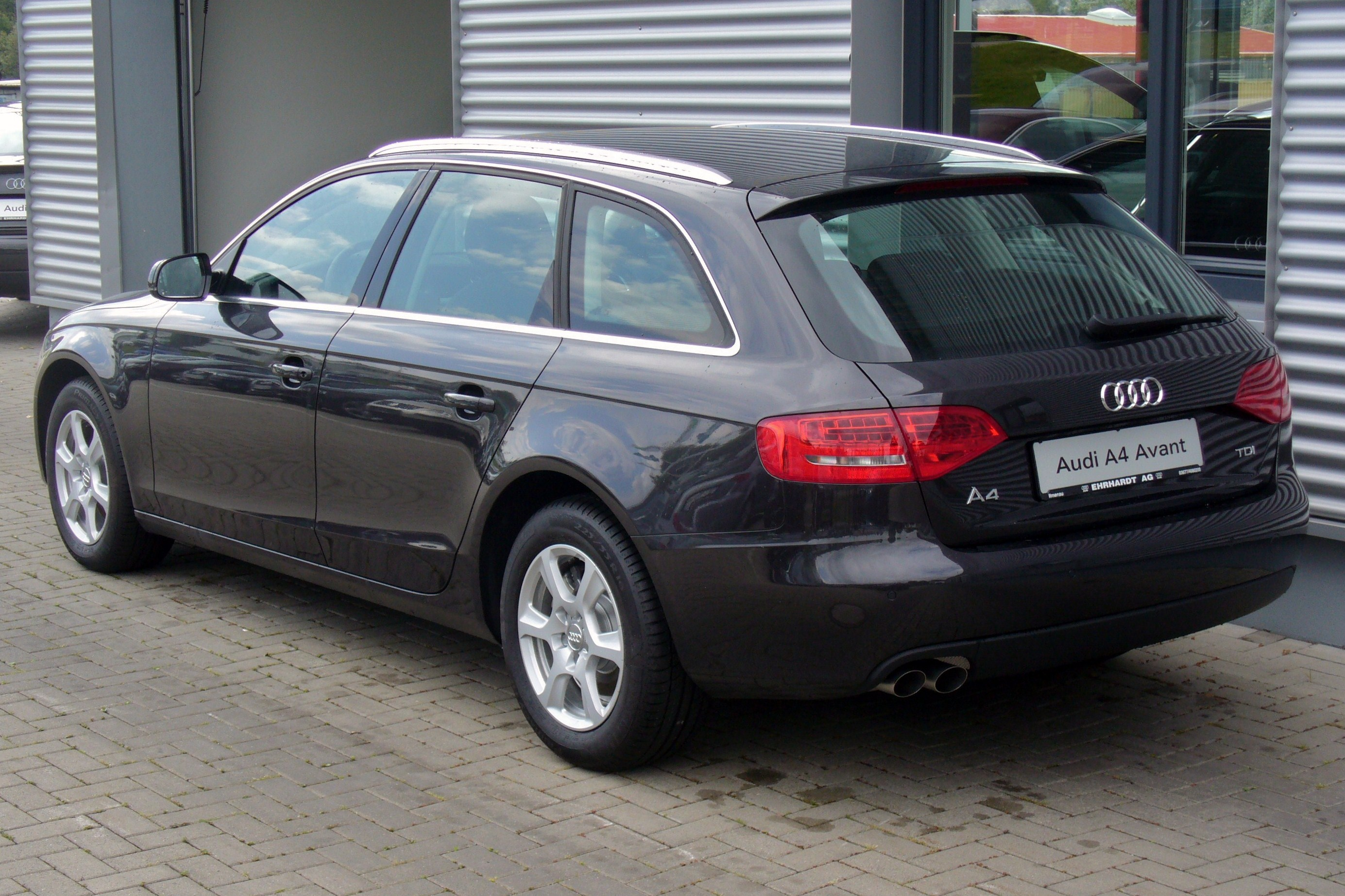 audi a4 2 0 tdi attraction photos and comments. Black Bedroom Furniture Sets. Home Design Ideas