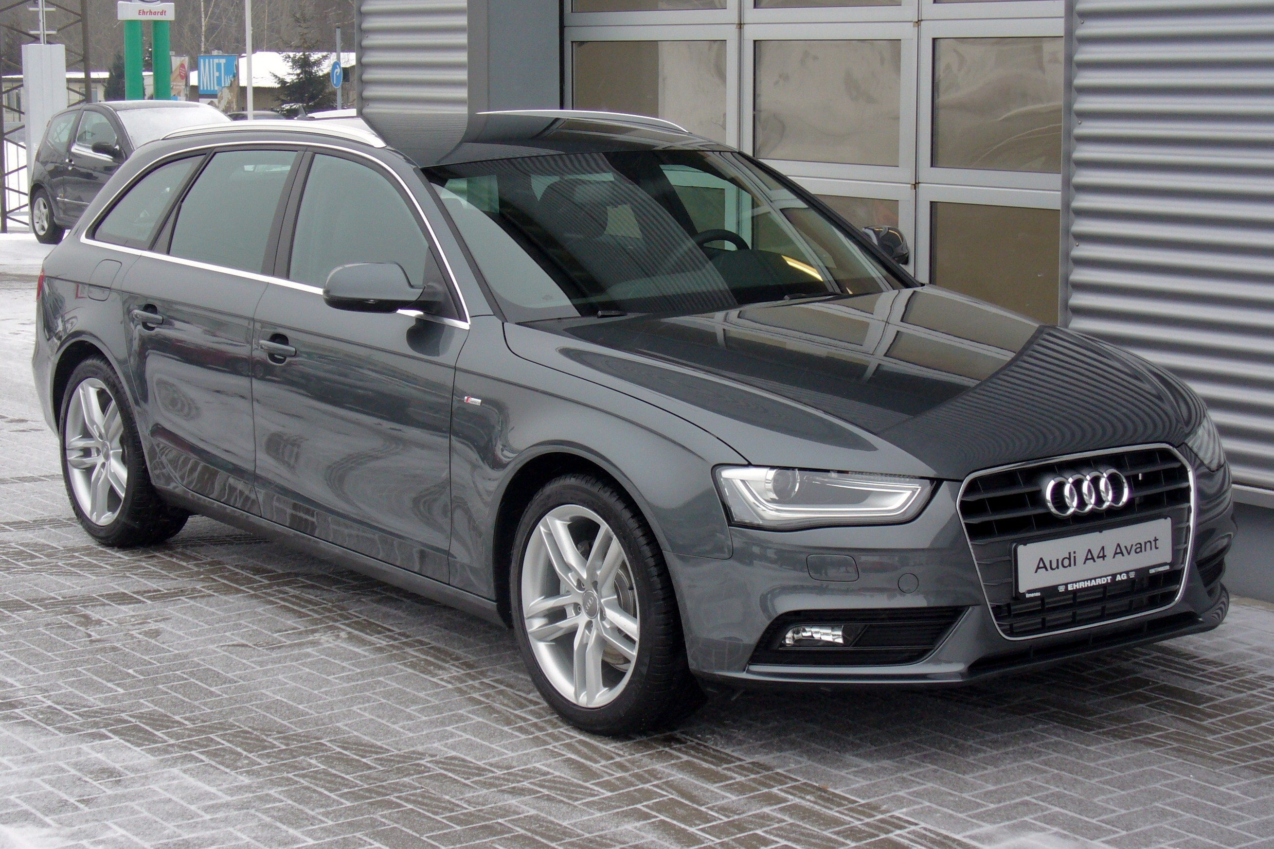 audi a4 avant 2 0 tdi ambition photos and comments. Black Bedroom Furniture Sets. Home Design Ideas