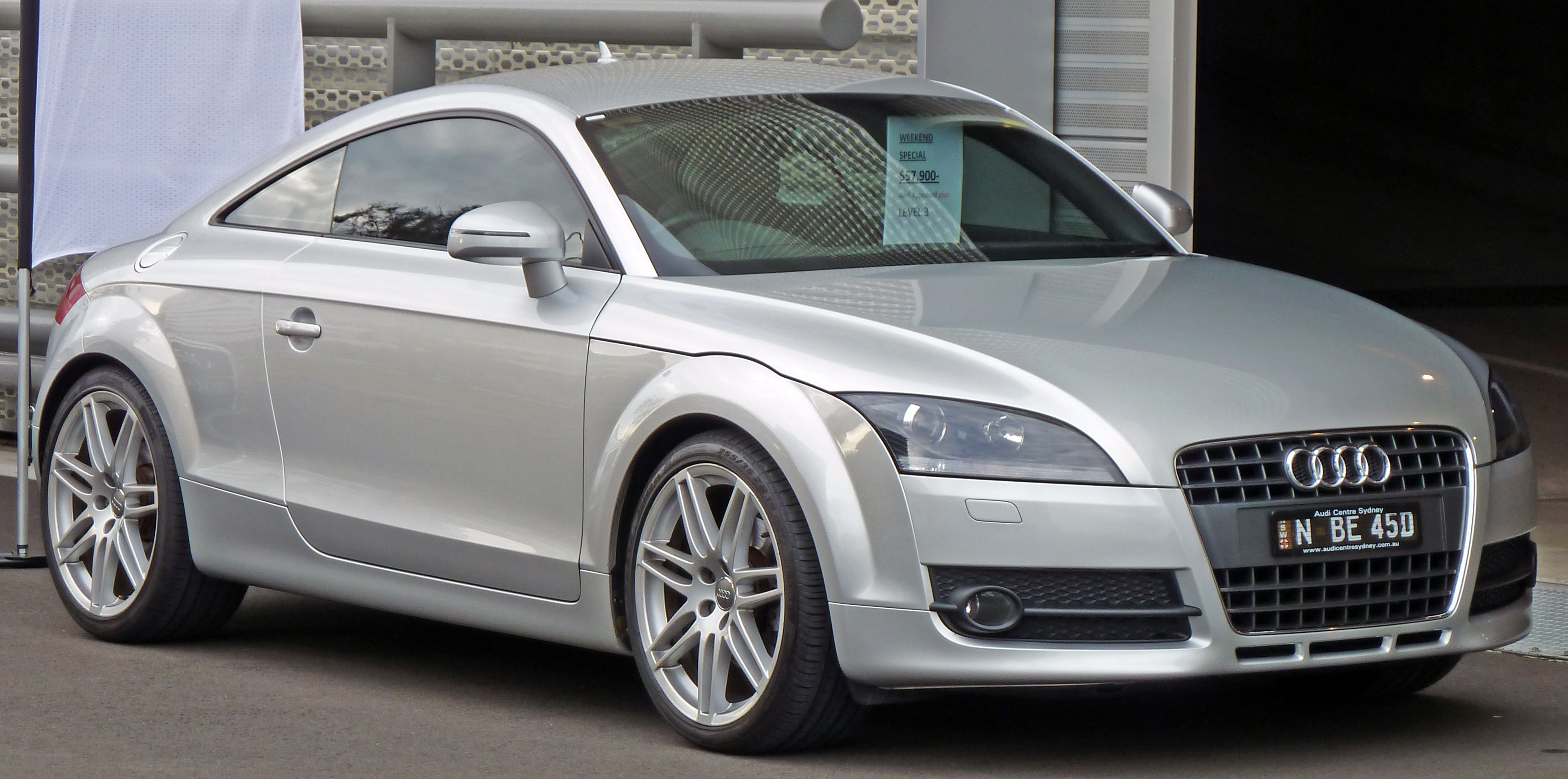 audi tt roadster 2 0 tfsi photos and comments. Black Bedroom Furniture Sets. Home Design Ideas
