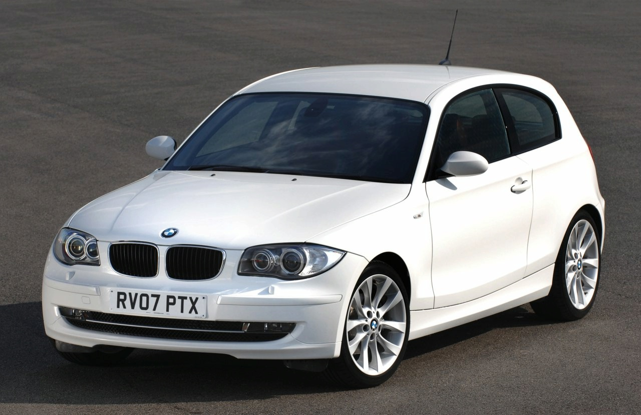bmw 118 d photos and comments. Black Bedroom Furniture Sets. Home Design Ideas
