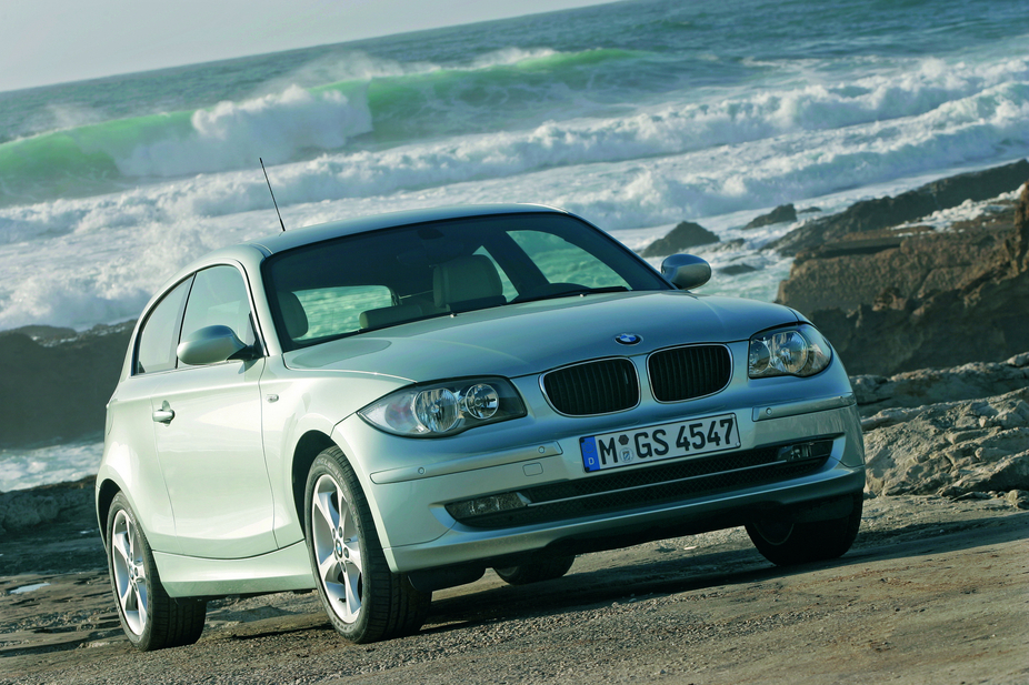 bmw 130i automatic photos and comments. Black Bedroom Furniture Sets. Home Design Ideas