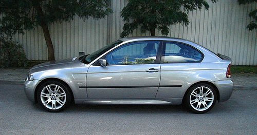 bmw 320 compact-pic. 1