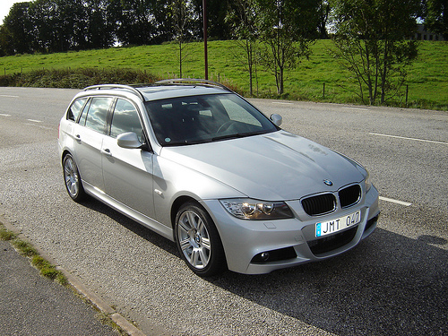 bmw 320 touring photos and comments. Black Bedroom Furniture Sets. Home Design Ideas