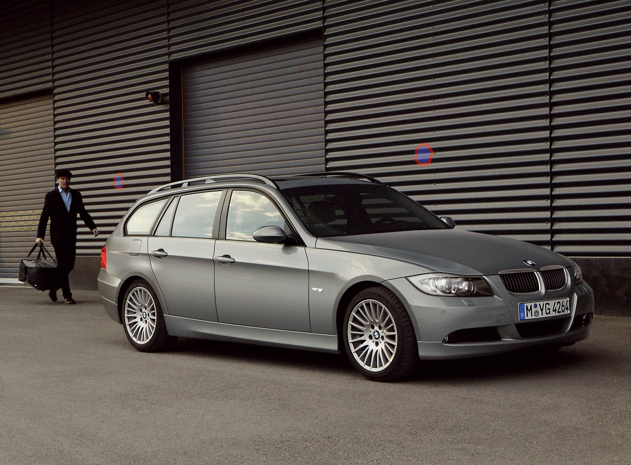 bmw 320d touring m sport photos and comments. Black Bedroom Furniture Sets. Home Design Ideas