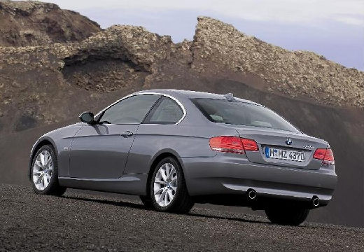 bmw 320d xdrive coupe photos and comments. Black Bedroom Furniture Sets. Home Design Ideas