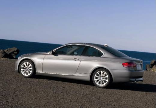 bmw 325i xdrive coupe-pic. 2