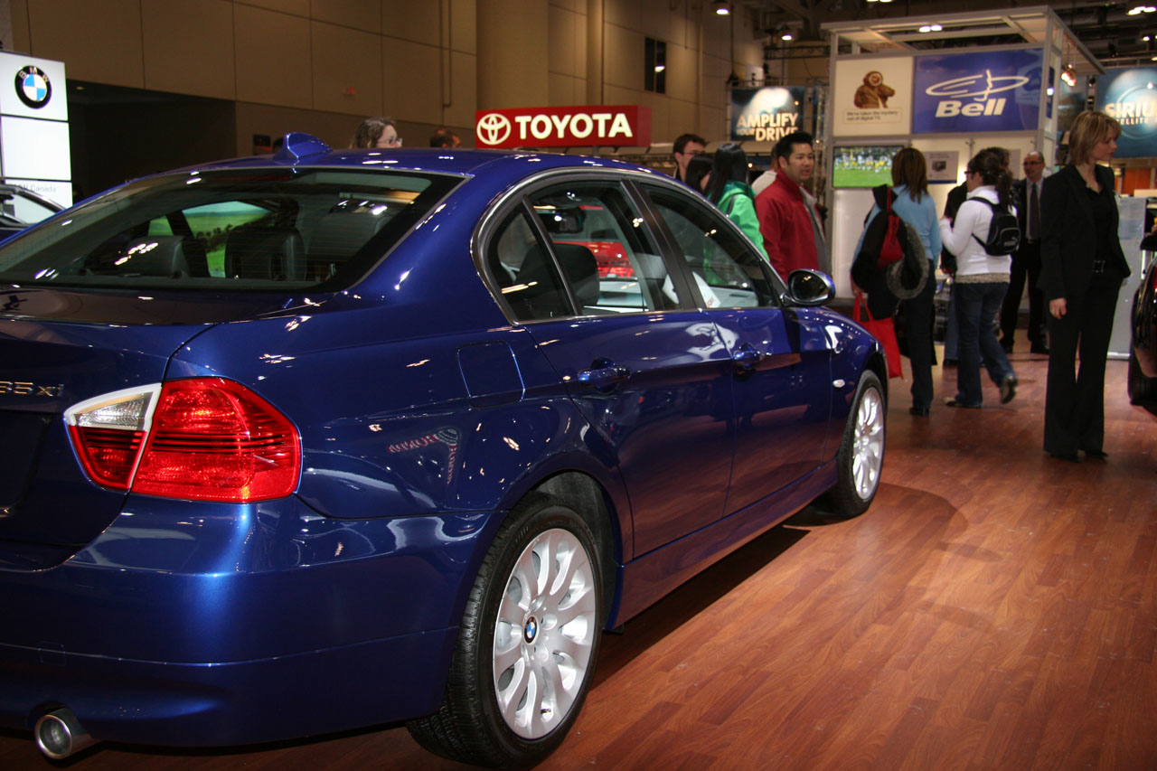 bmw 335 xi sedan-pic. 3