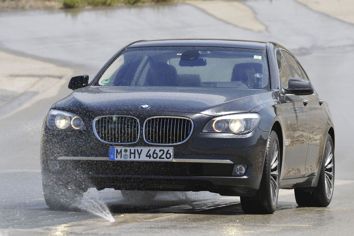 bmw 750i xdrive-pic. 1