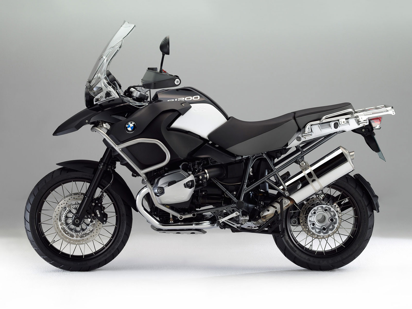 bmw r 1200 gs adventure triple black-pic. 2