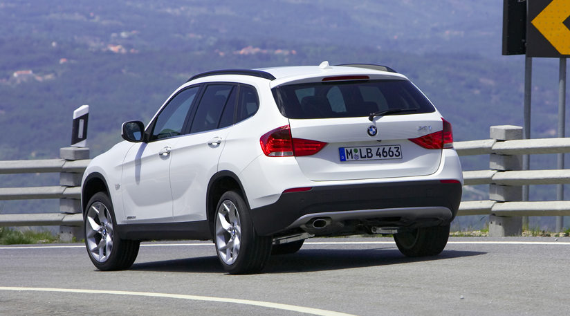 bmw x1 xdrive20d photos and comments. Black Bedroom Furniture Sets. Home Design Ideas