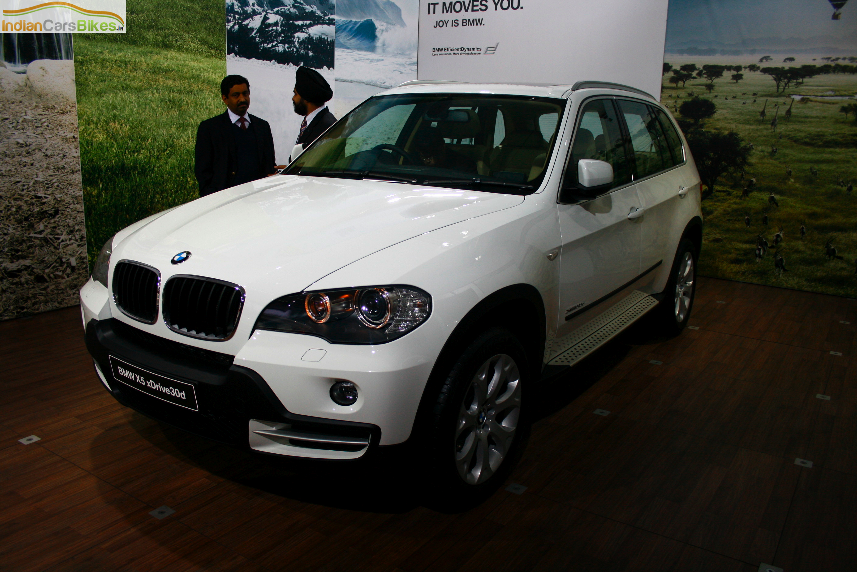 bmw x5 xdrive30d exclusive photos and comments www. Black Bedroom Furniture Sets. Home Design Ideas