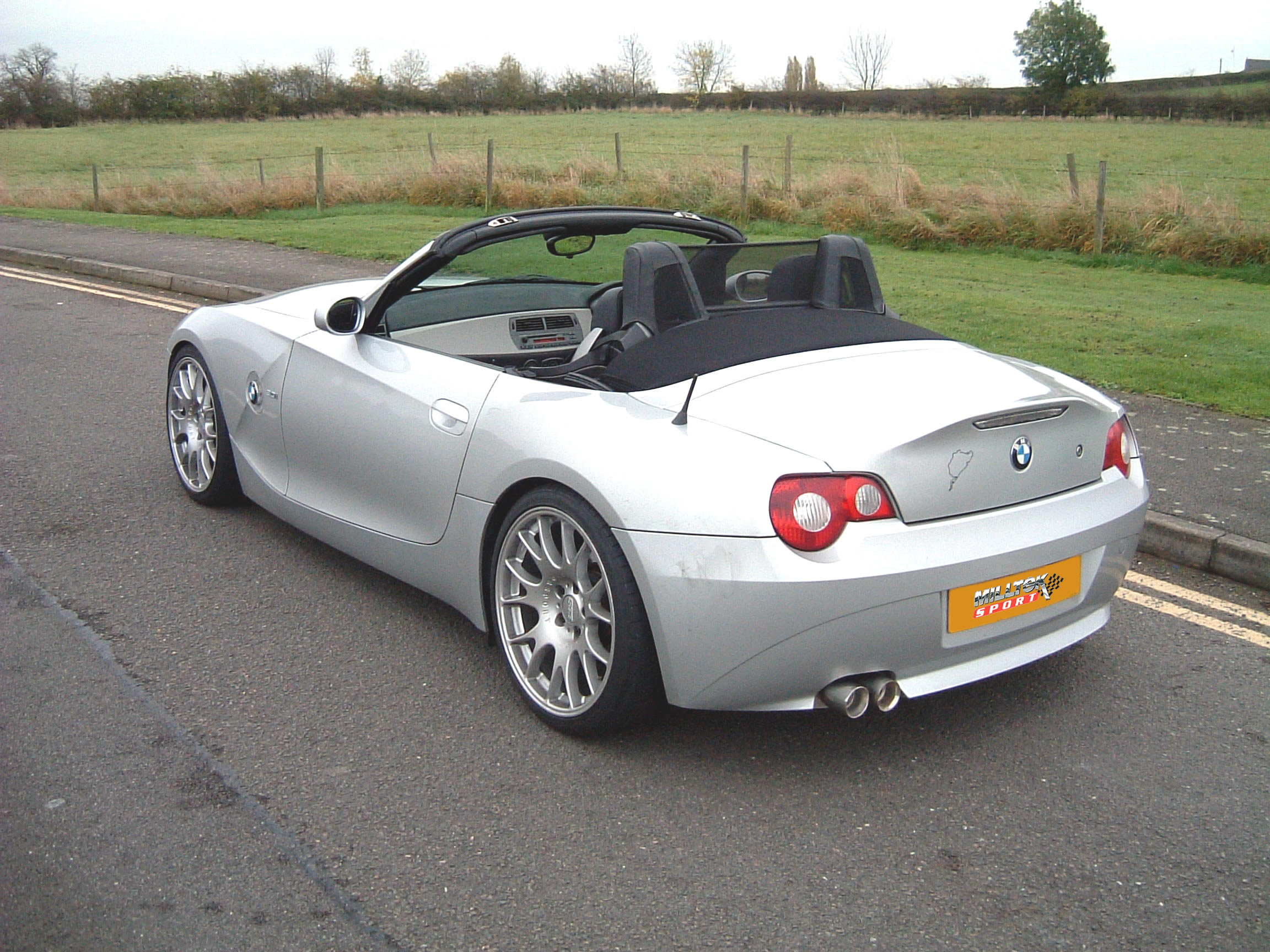 bmw z4 roadster photos and comments. Black Bedroom Furniture Sets. Home Design Ideas