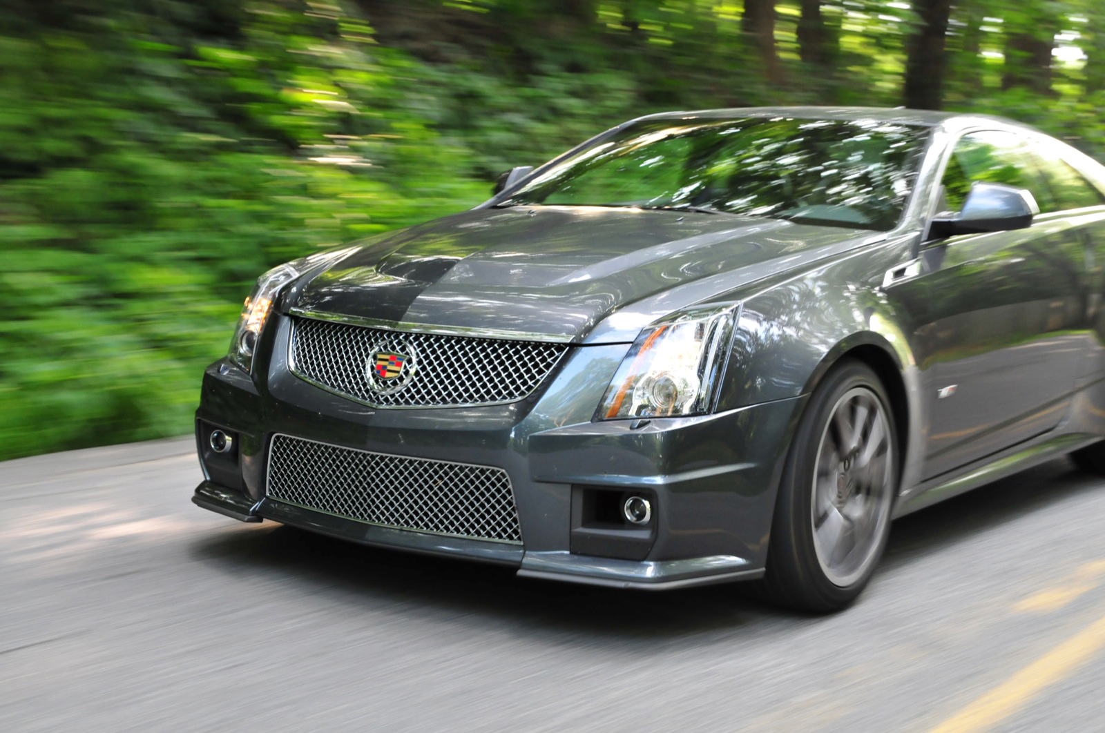cadillac cts v8 photos and comments. Black Bedroom Furniture Sets. Home Design Ideas