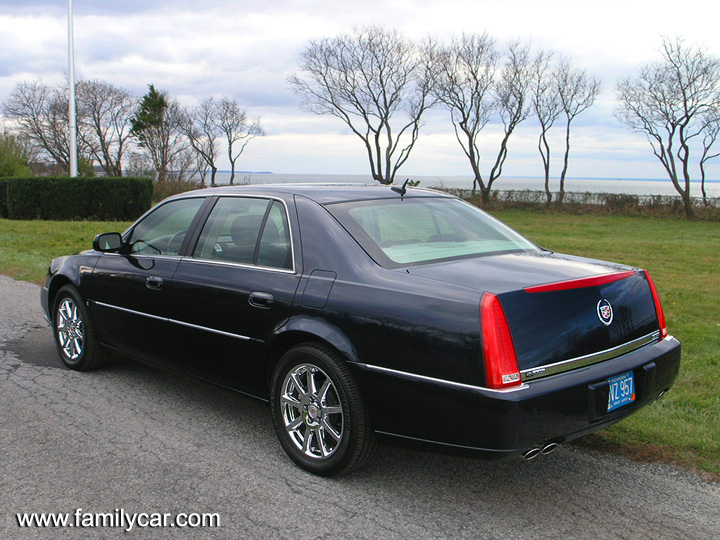 cadillac dts performance-pic. 2