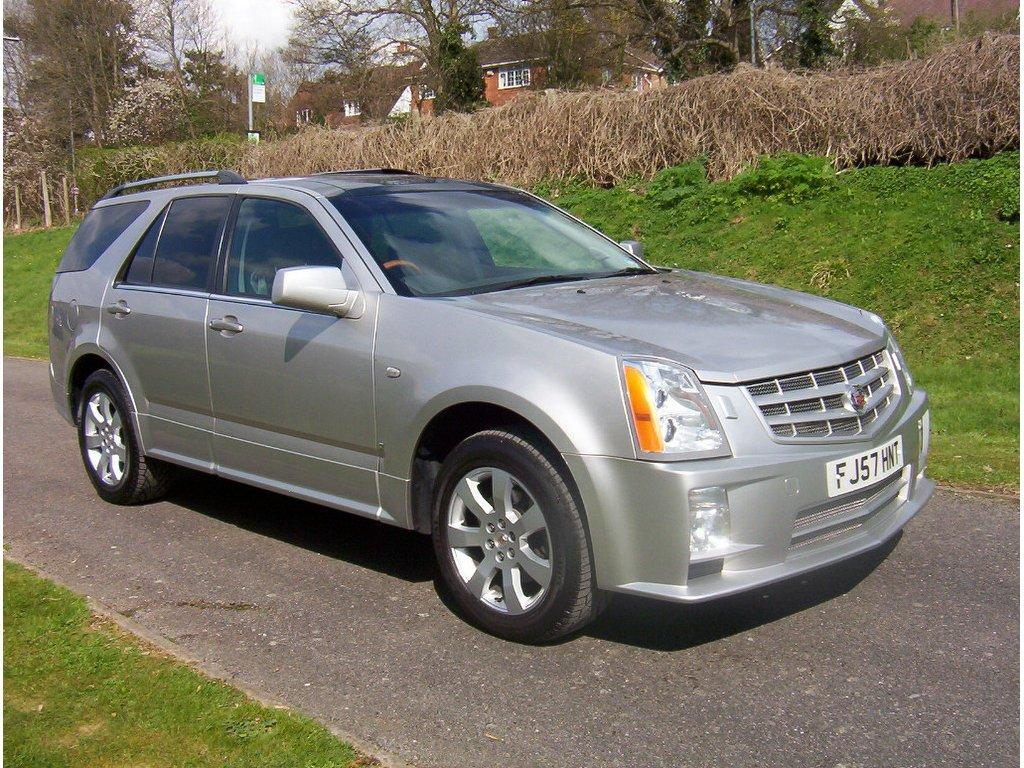 cadillac srx 4 6 v8 sport luxury photos and comments. Black Bedroom Furniture Sets. Home Design Ideas