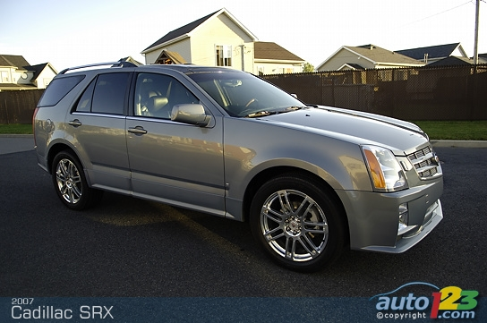 cadillac srx awd luxury-pic. 1
