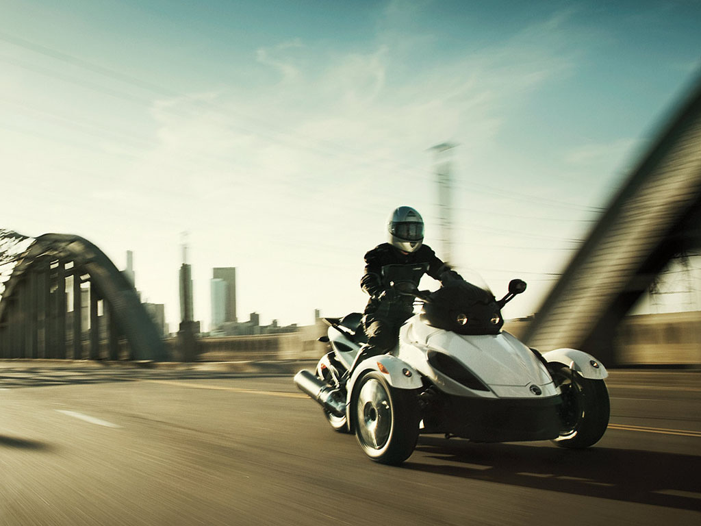 can-am spyder roadster rs-pic. 3