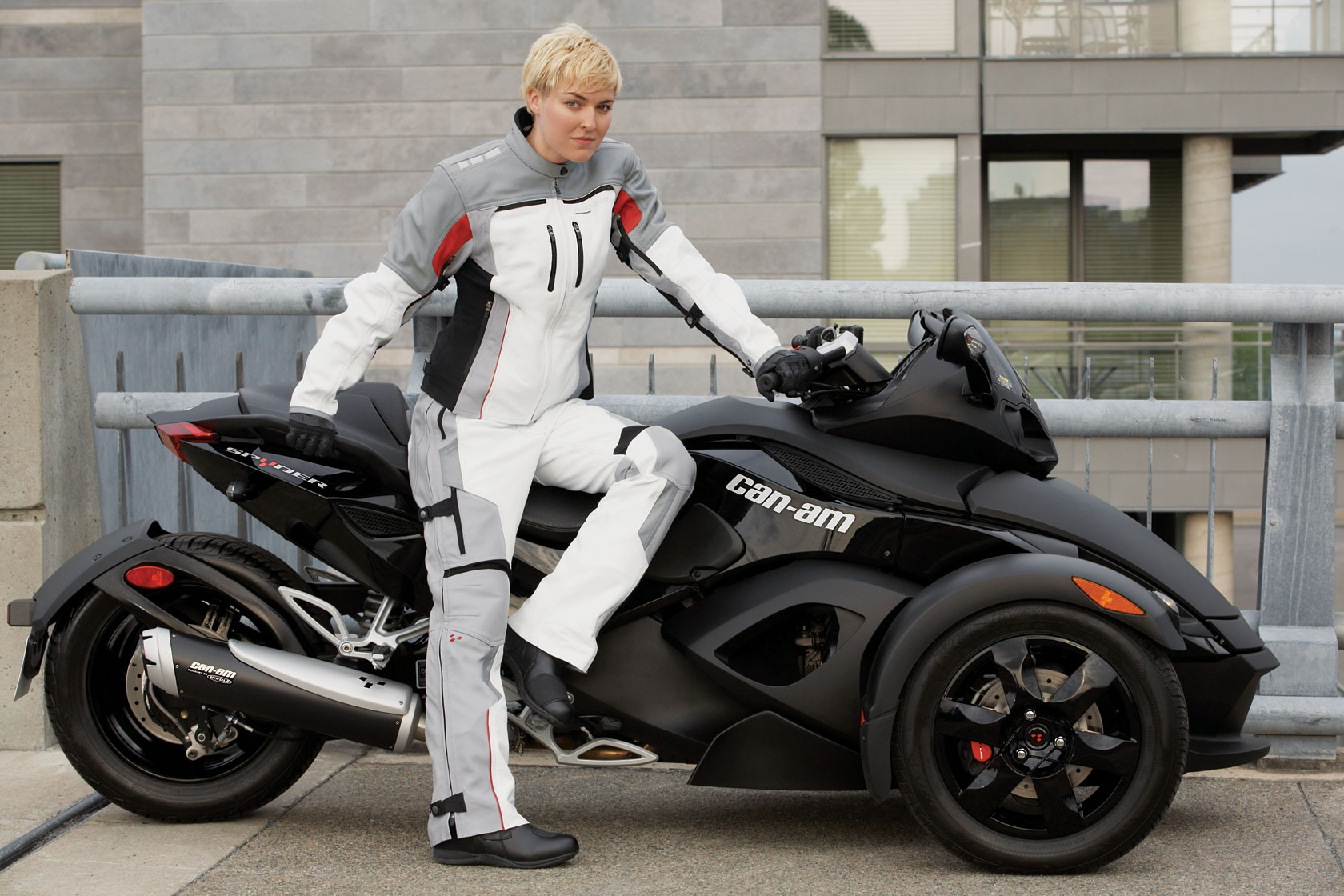 can-am spyder roadster se5-pic. 1
