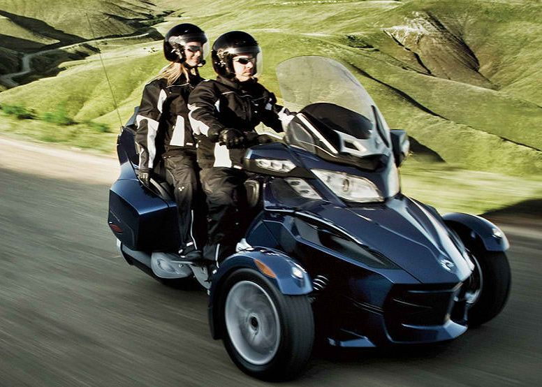 can am spyder rs s photos and comments. Black Bedroom Furniture Sets. Home Design Ideas