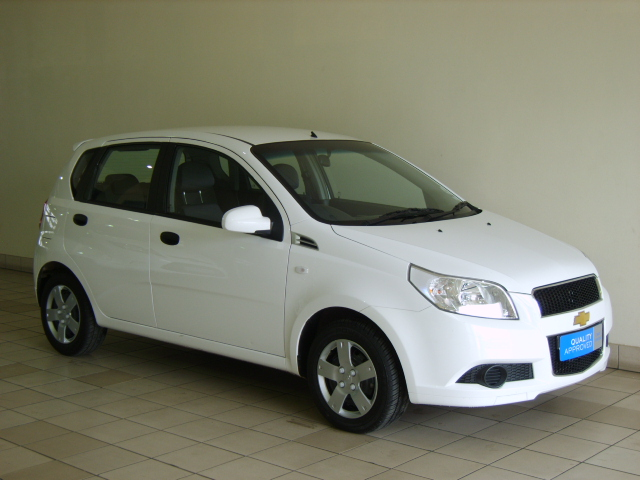 chevrolet aveo 1.6 ls hatch #3