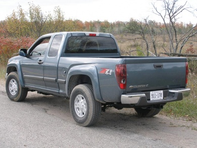 chevrolet colorado extended cab 4wd-pic. 2