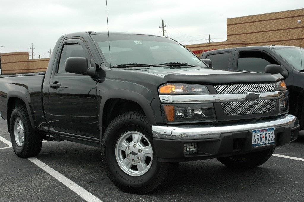 chevrolet colorado regular cab-pic. 2