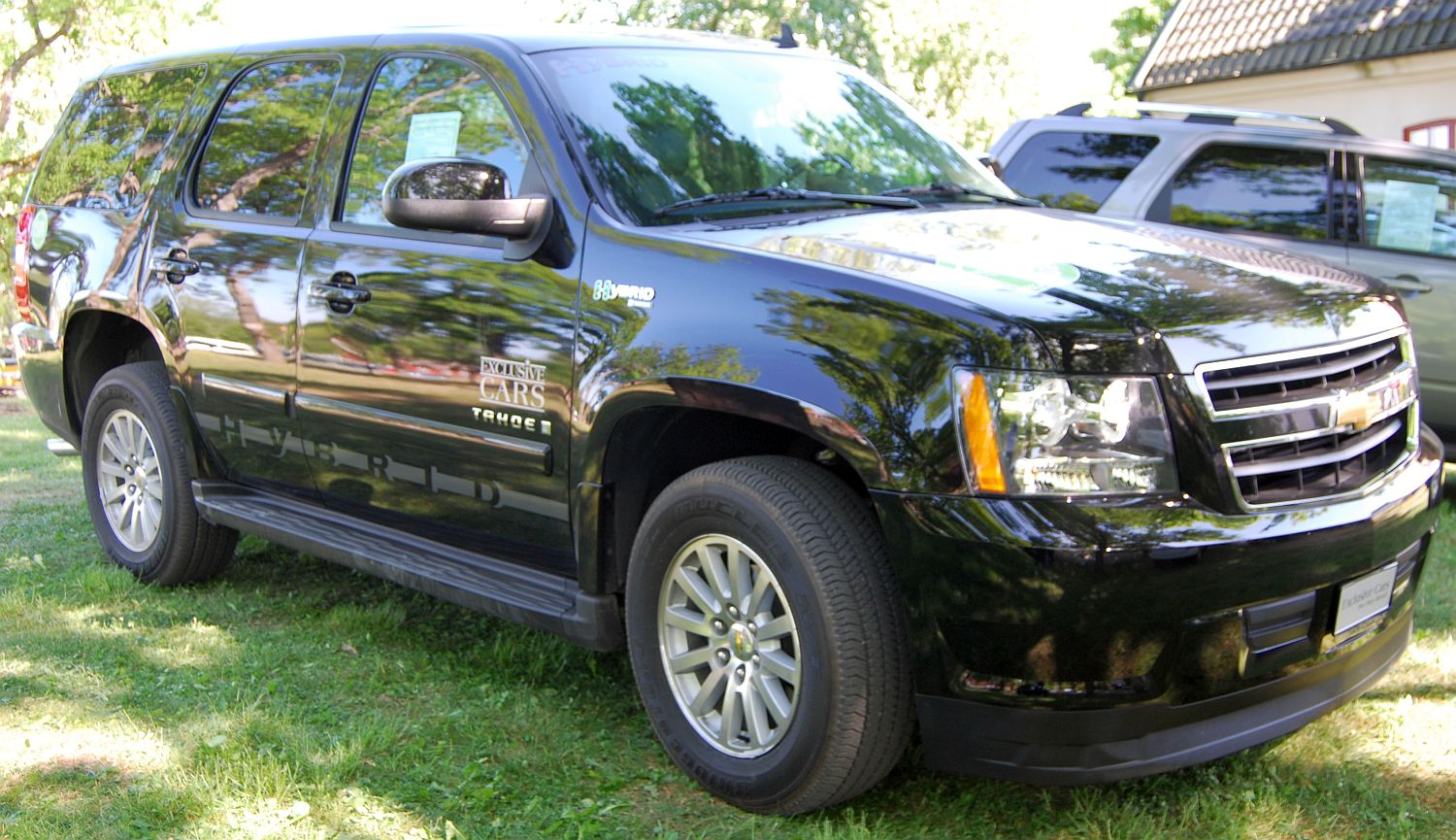 chevrolet tahoe hybrid photos and comments. Black Bedroom Furniture Sets. Home Design Ideas