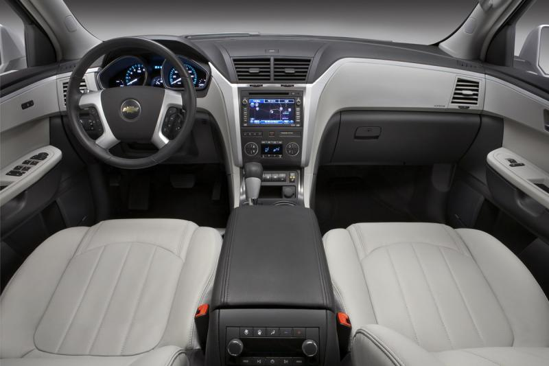 chevrolet traverse-pic. 2