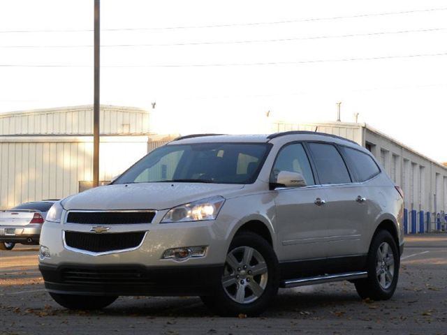 chevrolet traverse awd-pic. 3