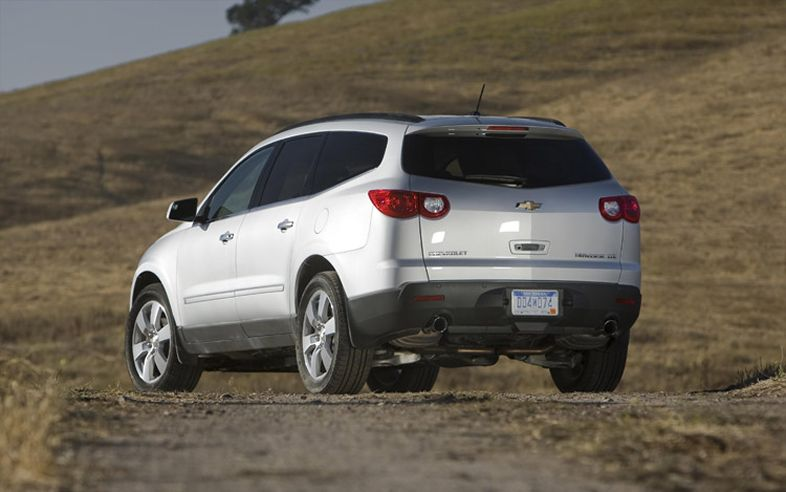 chevrolet traverse ltz awd-pic. 2