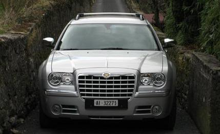 chrysler 300 touring awd #1