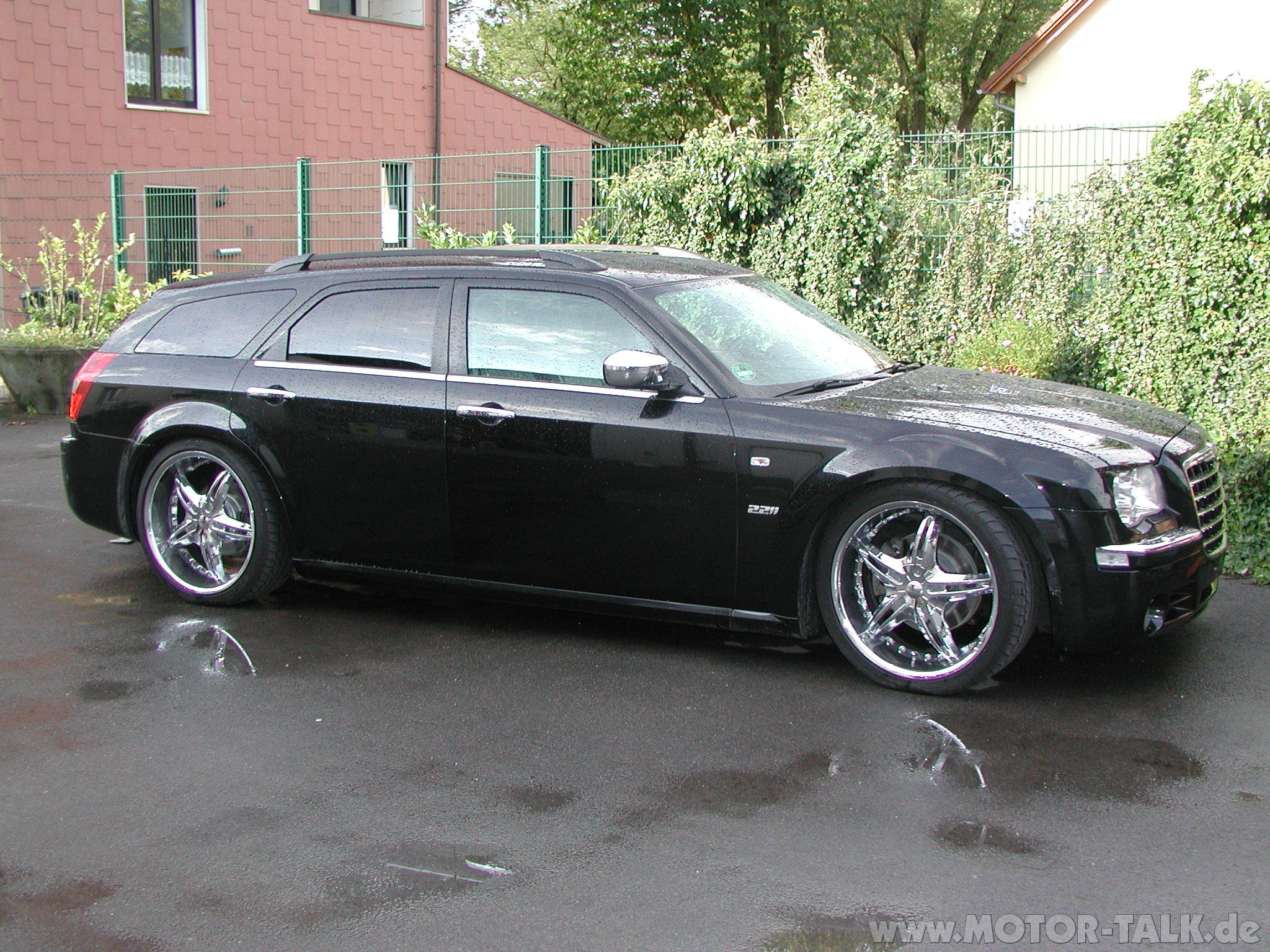 chrysler 300c 3 0 crd touring photos and comments. Black Bedroom Furniture Sets. Home Design Ideas