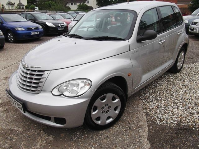 chrysler pt cruiser 2 4 classic photos and comments. Black Bedroom Furniture Sets. Home Design Ideas