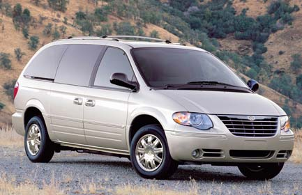 chrysler town & country 3.3-pic. 1