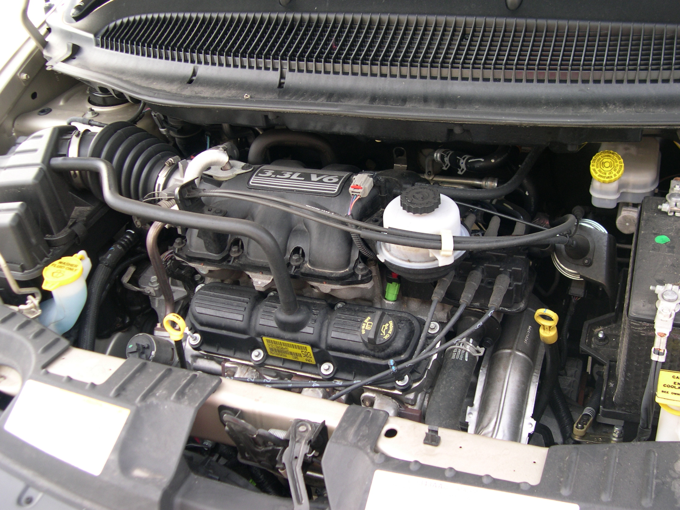 chrysler town & country 3.3-pic. 3