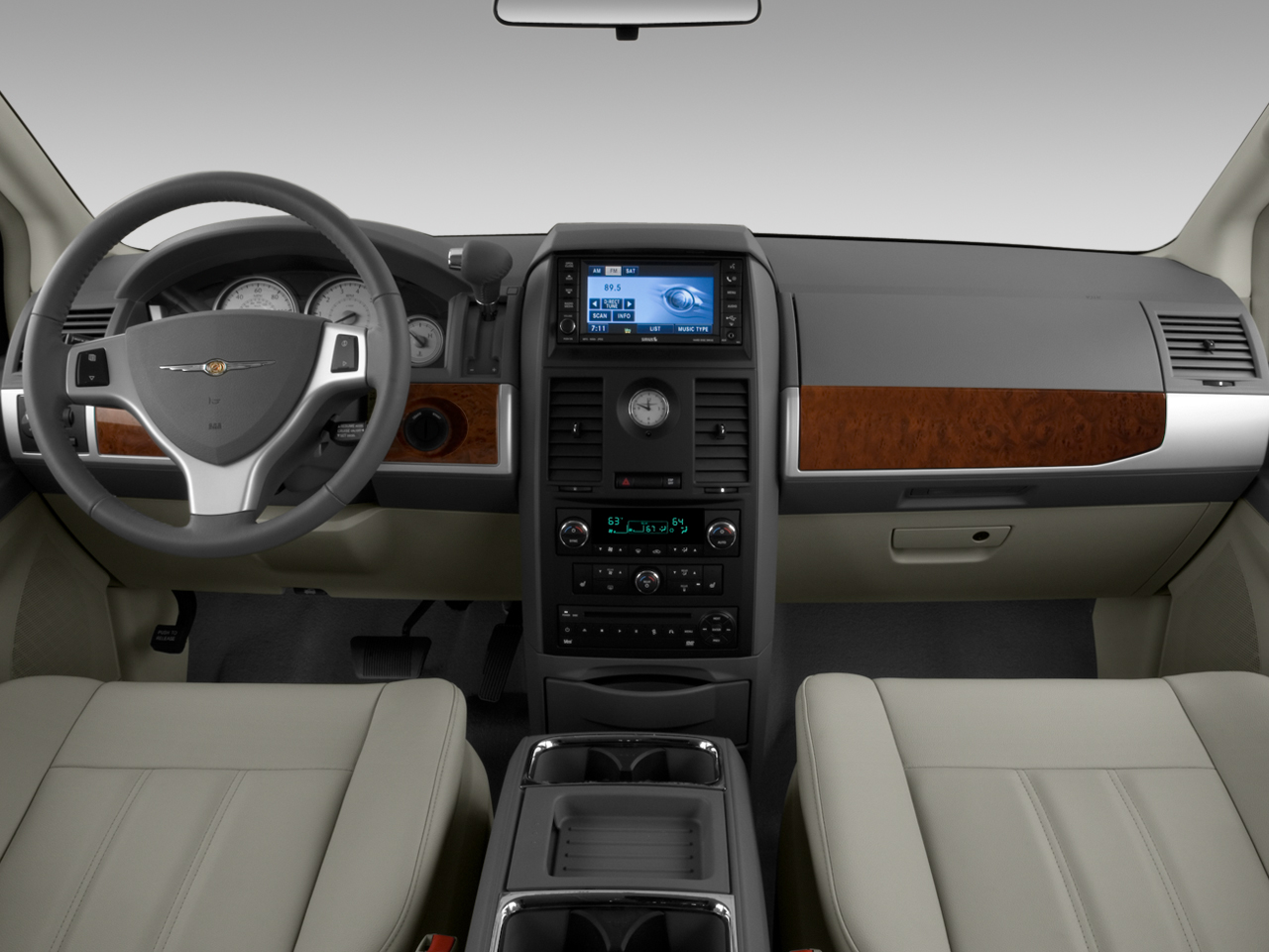 chrysler town & country limited-pic. 2