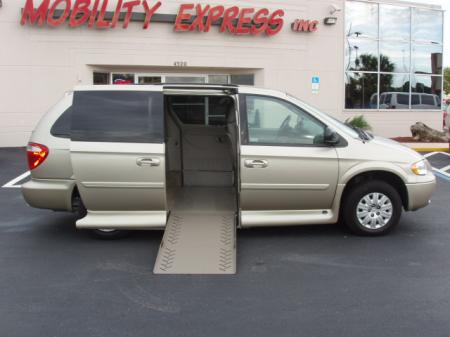 chrysler town & country lx #3