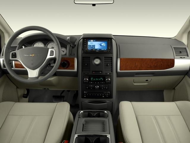 chrysler town & country touring-pic. 2