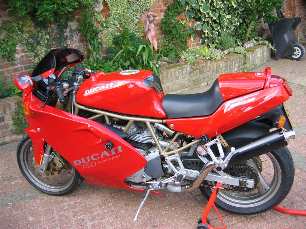 ducati ss 750 photos and comments. Black Bedroom Furniture Sets. Home Design Ideas
