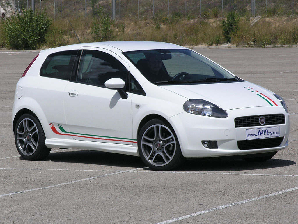 fiat grande punto sport photos and comments www. Black Bedroom Furniture Sets. Home Design Ideas