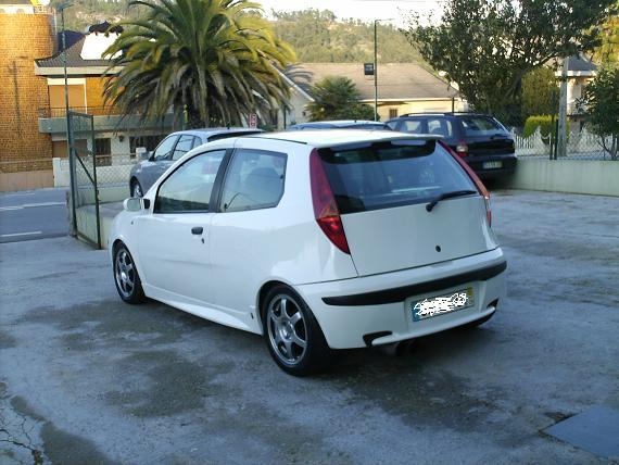 fiat punto 1 9 jtd photos and comments. Black Bedroom Furniture Sets. Home Design Ideas