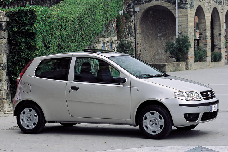 fiat punto 1 9 jtd dynamic photos and comments. Black Bedroom Furniture Sets. Home Design Ideas