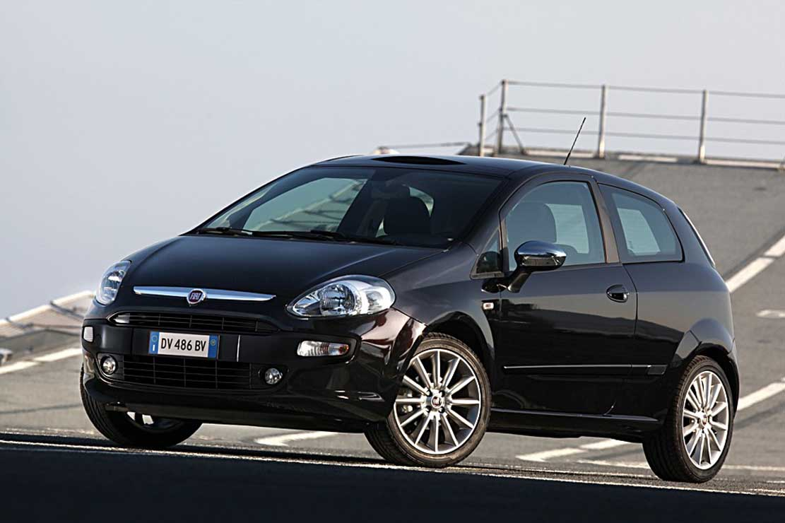 fiat punto evo 1 2 photos and comments. Black Bedroom Furniture Sets. Home Design Ideas