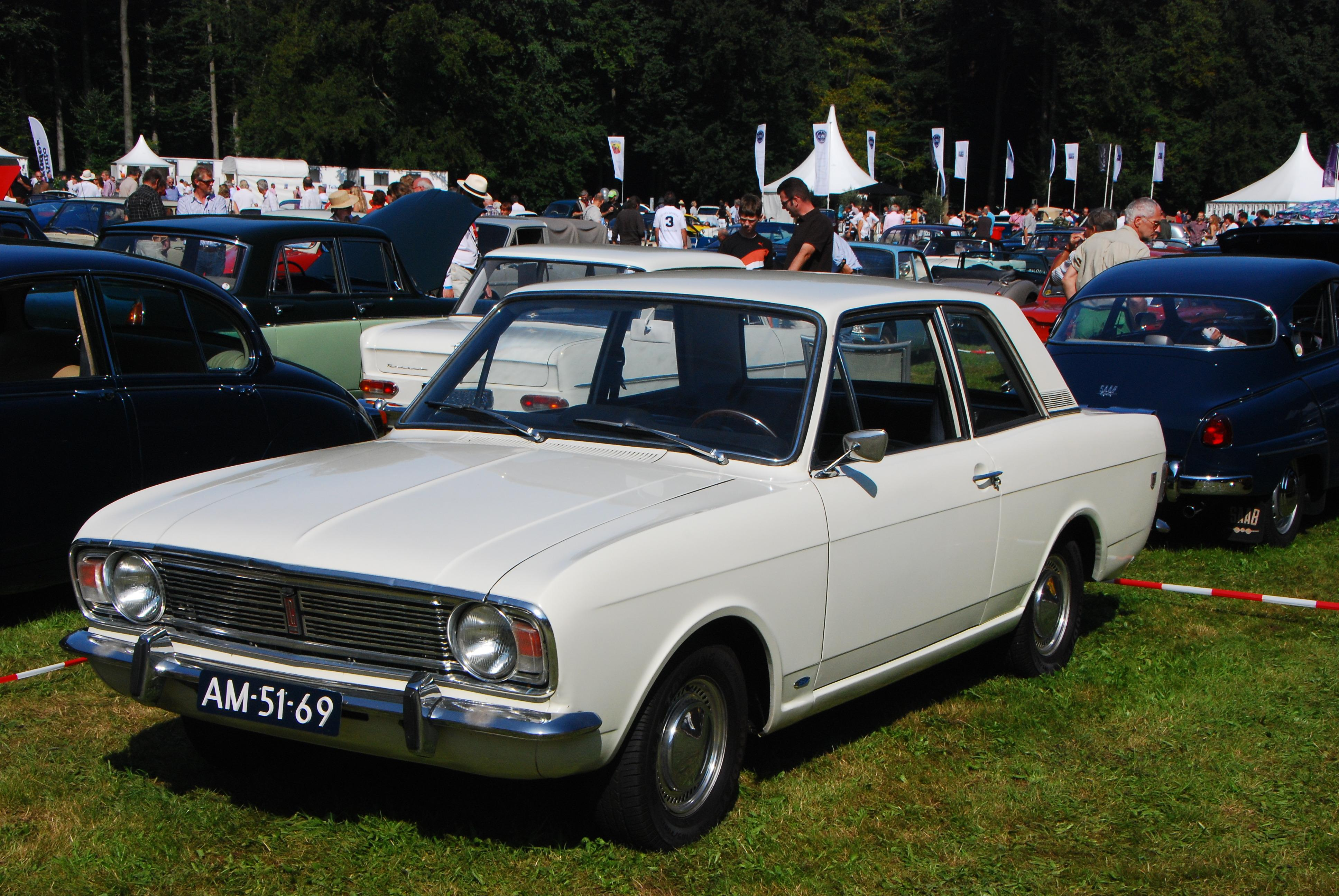 ford cortina 1600 gt-pic. 2
