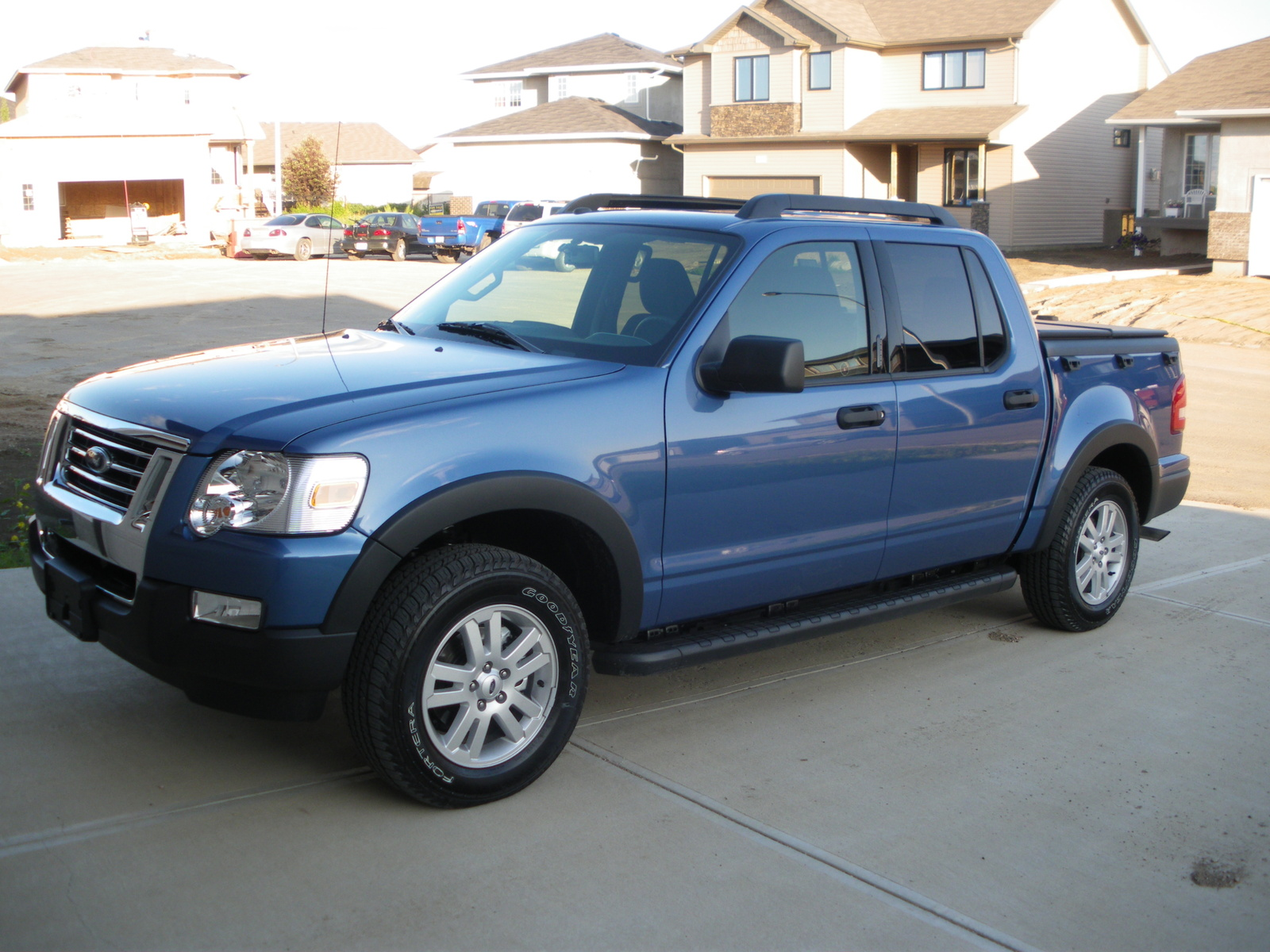 ford explorer sport trac xlt-pic. 3