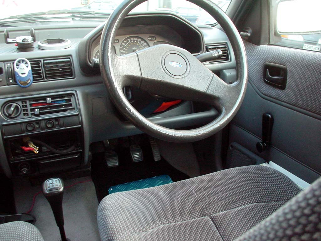 ford fiesta 1.1-pic. 2