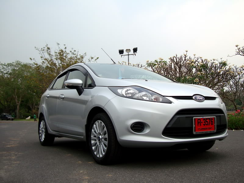 ford fiesta 1.6 trend powershift-pic. 2